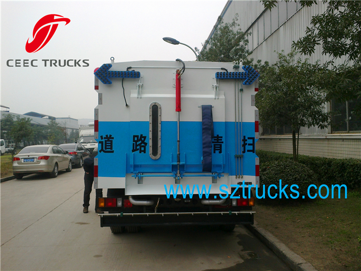high performance road sweeping truck hot sale
