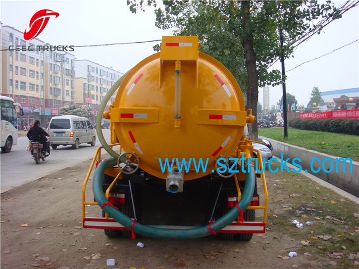 High Quality mini vacuum sewage suction truck for sale
