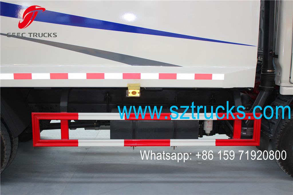 4CBM Garbage Compactor Truck safety guard