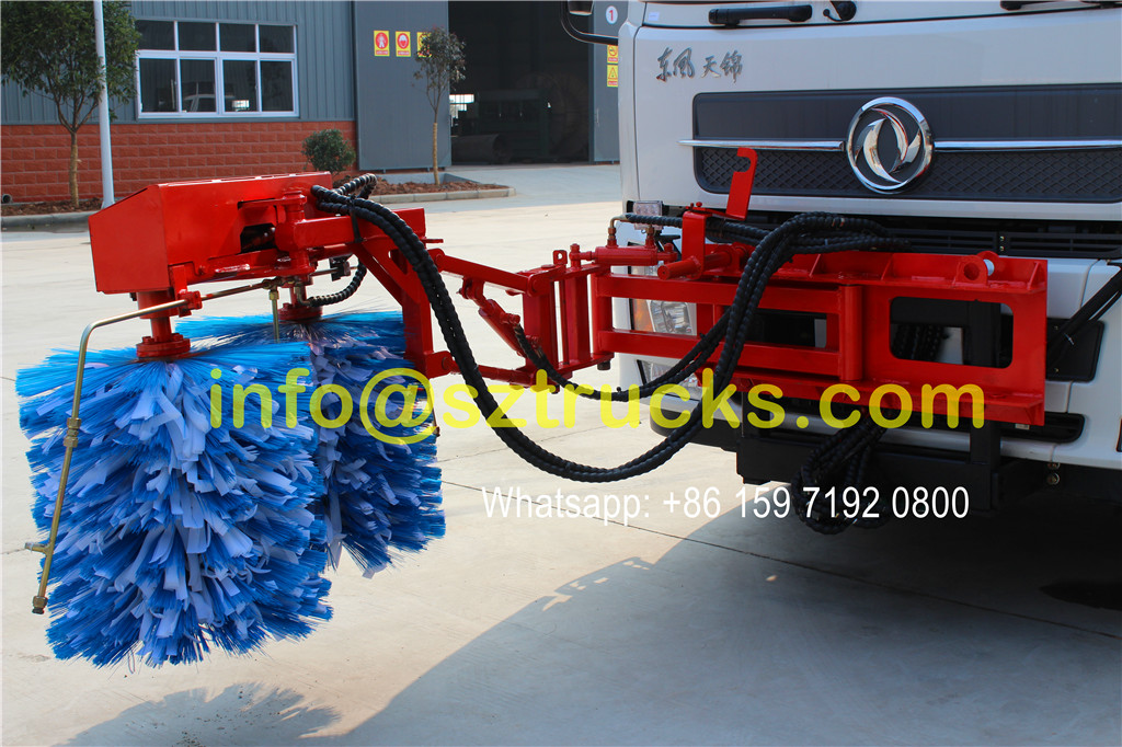 2016 design 10CBM guardrail washing truck Washing System