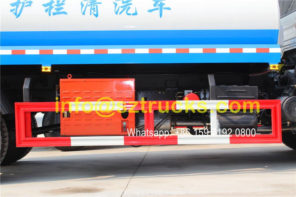 DongFeng Tianjin 10CBM guardrail washing truck advantages