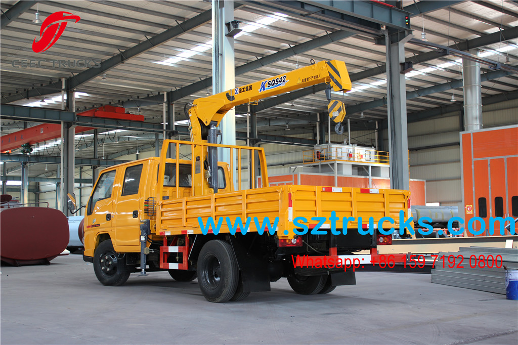 Double row cabin JMC 2T Boom mounted cargo truck for Costa Rica
