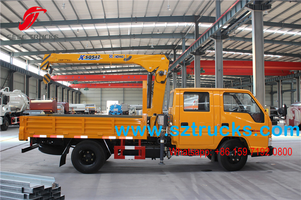 JMC 2T Boom mounted cargo truck for Costa Rica