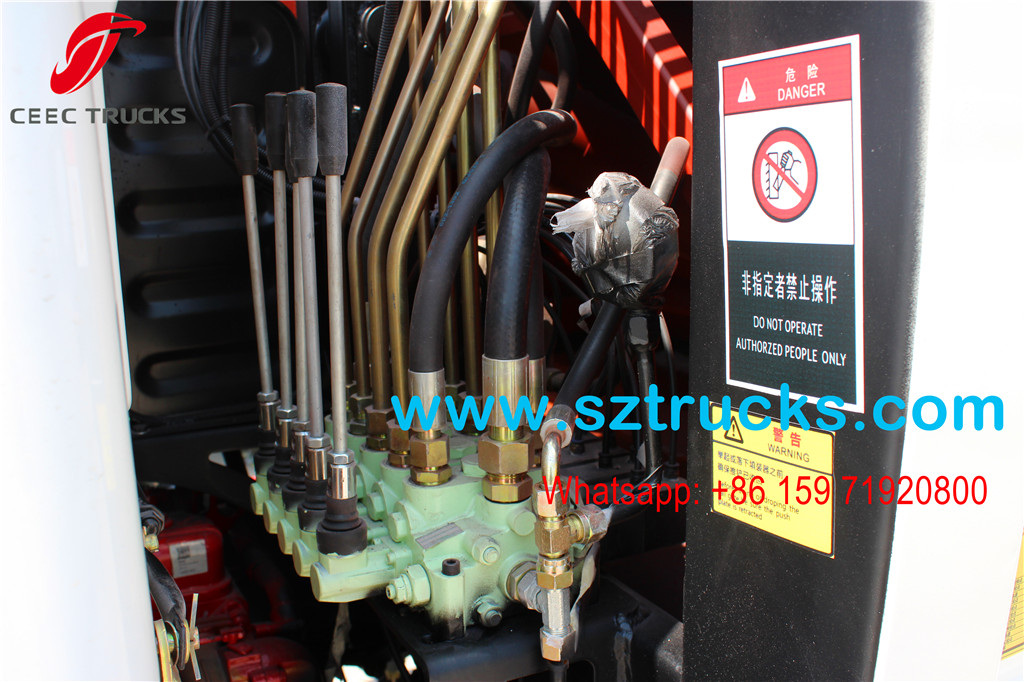 4000Liters Compression Refuse Truck operation manual joysticks