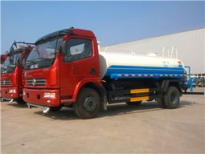 6000Liters sprinkler tanker trucks hot sale
