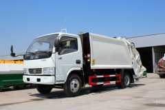 Factory bottom price sale 4000Liters garbage compactor truck