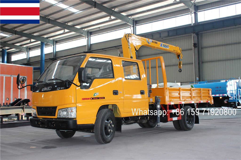 Costa Rica buyer import JMC 2T XCMG telescopic boom crane cargo truck from China